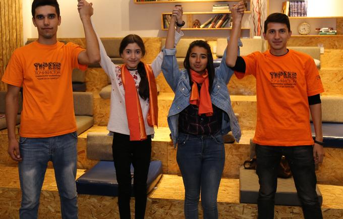 Speakers and Y-Peer volunteers