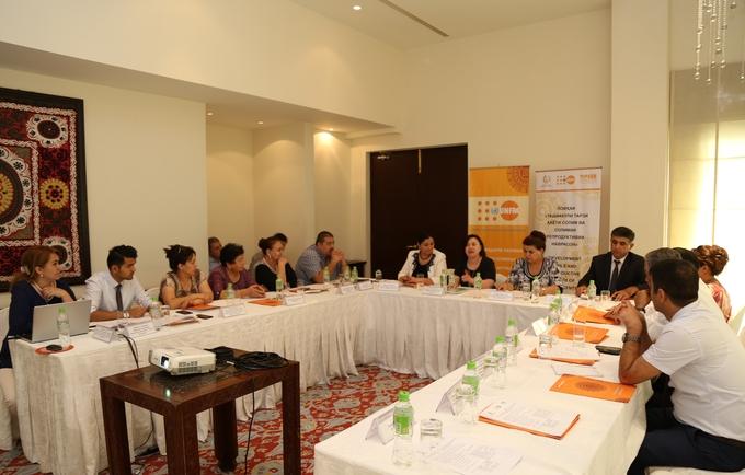 The working meeting. ©Photo: UNFPA Tajikistan
