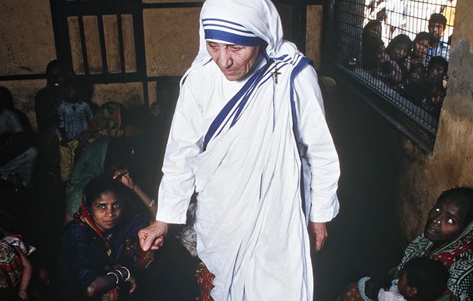 The late Mother Theresa of India, at one of her feeding centers in Calcutta, caring for the poor and hungry of all castes and religions. UN Photo/O. Monsen
