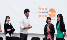 Y-PEER обучает молодежь Таджикистана навыкам, необходимых для эффективного обучения сверстников.